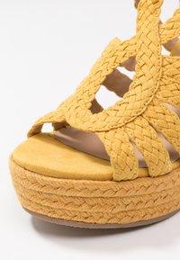 Bullboxer - Højhælede sandaletter / Højhælede sandaler - old yellow - 2
