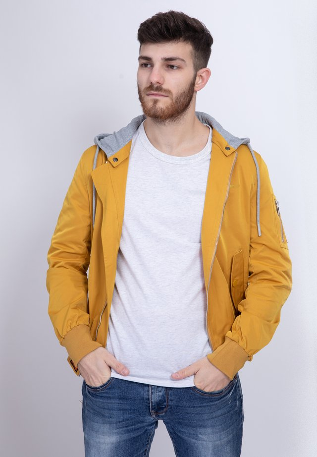 FLIGHT  - Summer jacket - yellow