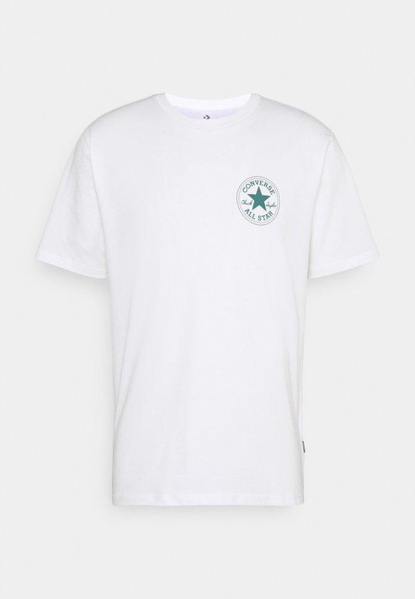 Converse PUFFED CHUCK PATCH SHORT SLEEVE TEE - T-shirt z nadrukiem - white/biały Odzież Męska ADDE