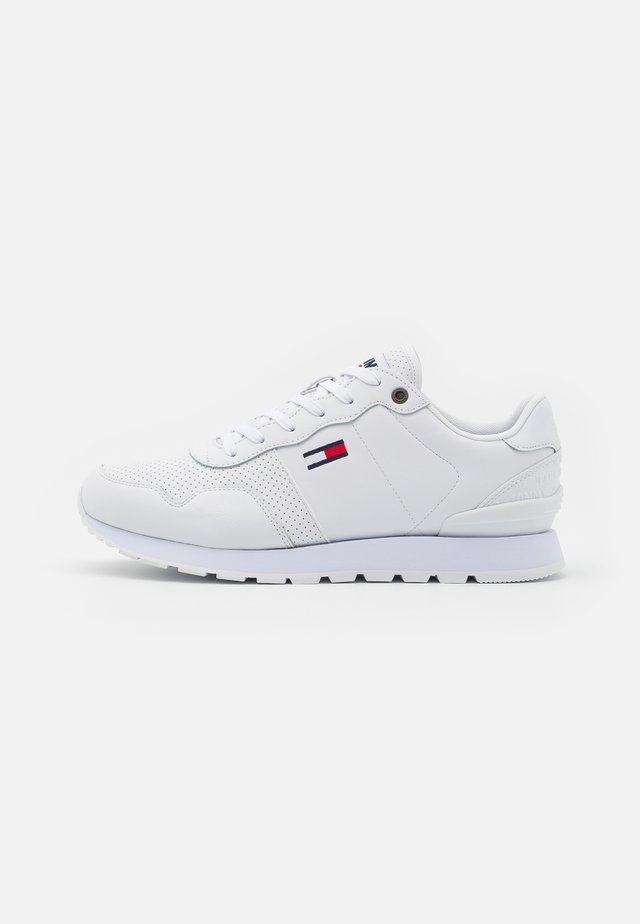 LIFESTYLE LEA RUNNER - Sneakers laag - white