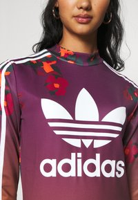 adidas Originals - GRAPHICS SPORTS INSPIRED DRESS - Etuikleid - multicolor