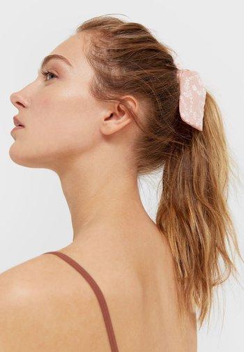 3ER-SET - Akcesoria do stylizacji włosów - pink