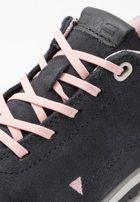 CMP - KIDS ELETTRA LOW SHOES WP - Hiking shoes - antracite/pastel pink - 2