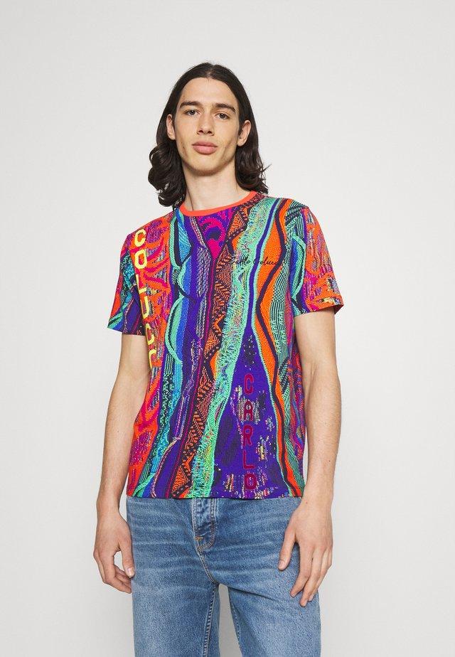 SET - T-Shirt print - multi color