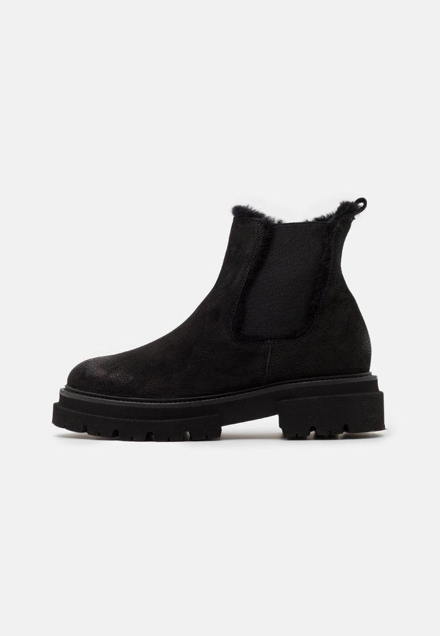 BOBBY - Platform ankle boots - schwarz