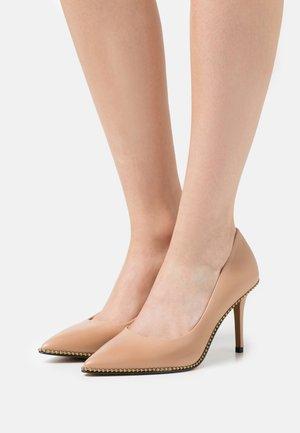 WAVERLY  - Zapatos altos - beechwood