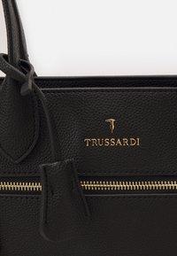 Trussardi - GRANA CERVO - Shopper - black - 4