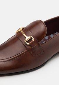 Walk London - TERRY - Elegantní nazouvací boty - brown - 5