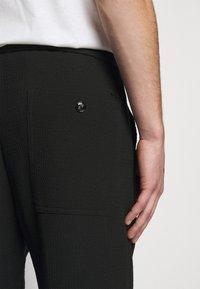 Emporio Armani - Pantaloni - black - 5