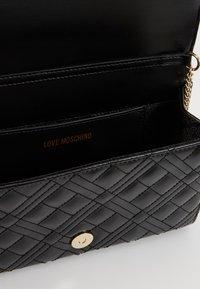 Love Moschino - Torba na ramię - black - 5