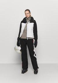 Superdry - ALPINE PANT - Ski- & snowboardbukser - black - 1