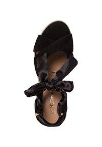 Tamaris - Wedge sandals - black uni - 3