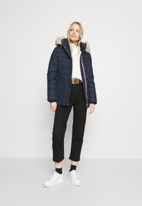 Tommy Hilfiger - SORONA PADDED - Light jacket - desert sky - 1