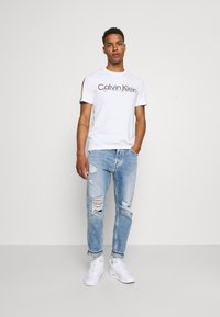 Calvin Klein Jeans - DAD - Relaxed fit jeans - blue - 1