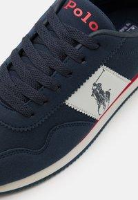 Polo Ralph Lauren - BIG PONY JOGGER UNISEX - Trainers - navy/grey/red - 5