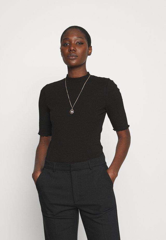 SLFANNA CREW NECK TEE - Jednoduché triko - black