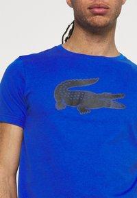 Lacoste Sport - BIG LOGO - T-shirt print - lazuli/black - 3