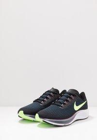 Nike Performance - AIR ZOOM PEGASUS 37 - Obuwie do biegania treningowe - black/ghost green/valerian blue - 2