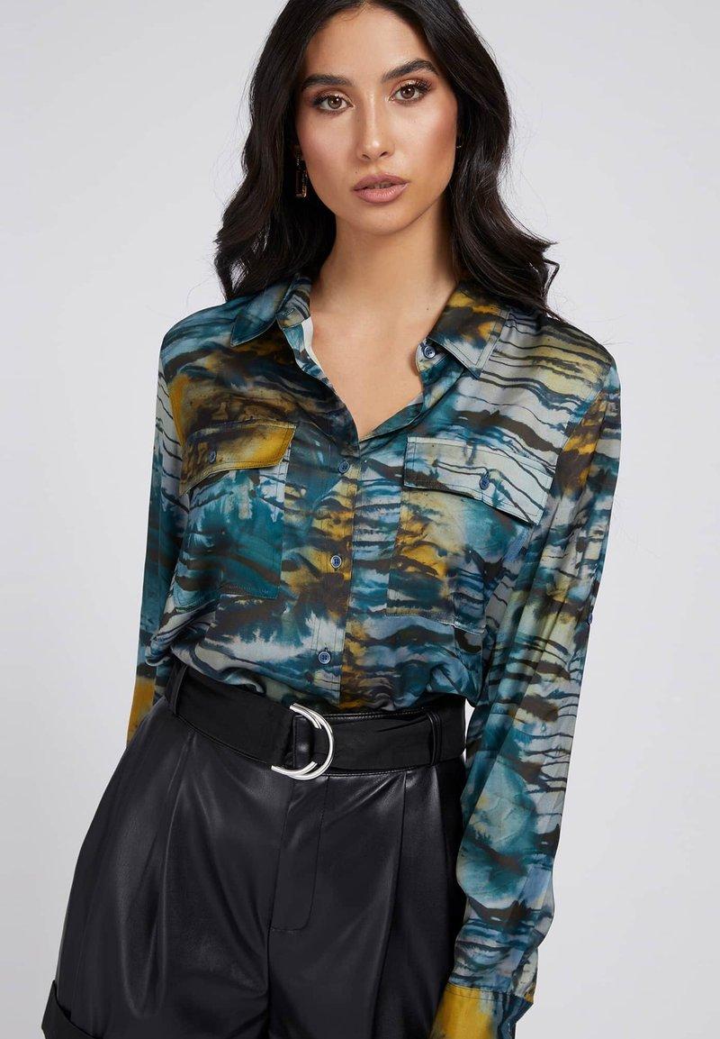 Guess - Button-down blouse - mehrfarbig, grundton blau