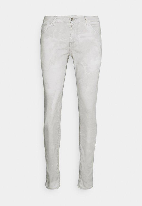 Family First Jeansy Skinny Fit - white/biały Odzież Męska REGZ