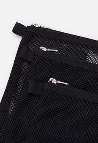 ARKET - SET UNISEX 3 PACK - Wash bag - black - 4