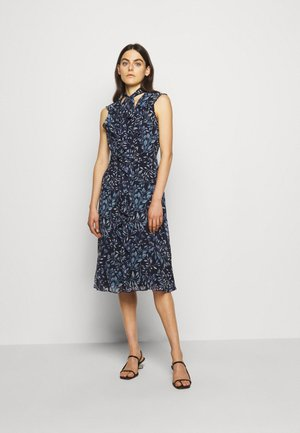 PRINTED GEORGETTE DRESS - Vardagsklänning - navy/blue