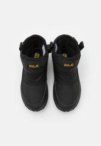 Jack Wolfskin - WOODLAND TEXAPORE WT MID UNISEX - Hiking shoes - black/burly yellow - 3