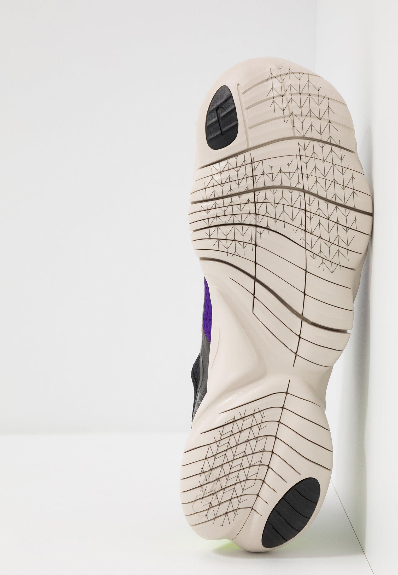 Nike Performance FREE RUN 5.0 SHIELD - Laufschuh Natural running - black/metallic silver/voltage purple/schwarz - Herrenschuhe djrAE