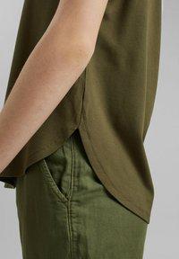 edc by Esprit - Print T-shirt - khaki green - 6