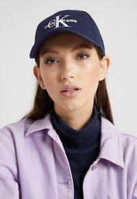 Calvin Klein Jeans - MONOGRAM  - Cap - blue - 4