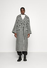 Gestuz - UNNAGZ COAT - Classic coat - black/white - 0