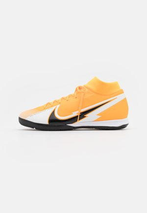 MERCURIAL 7 ACADEMY IC - Indoor football boots - laser orange/black/white
