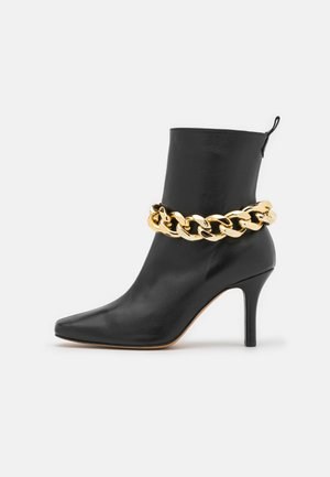 CHAIN - Classic ankle boots - black