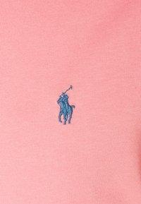 Polo Ralph Lauren - CUSTOM SLIM FIT CREWNECK - Basic T-shirt - desert rose - 2