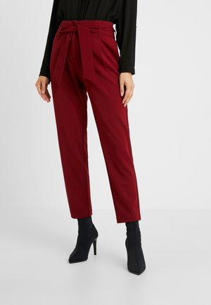 ONLCAROLINA BELT PANTS - Trousers - merlot