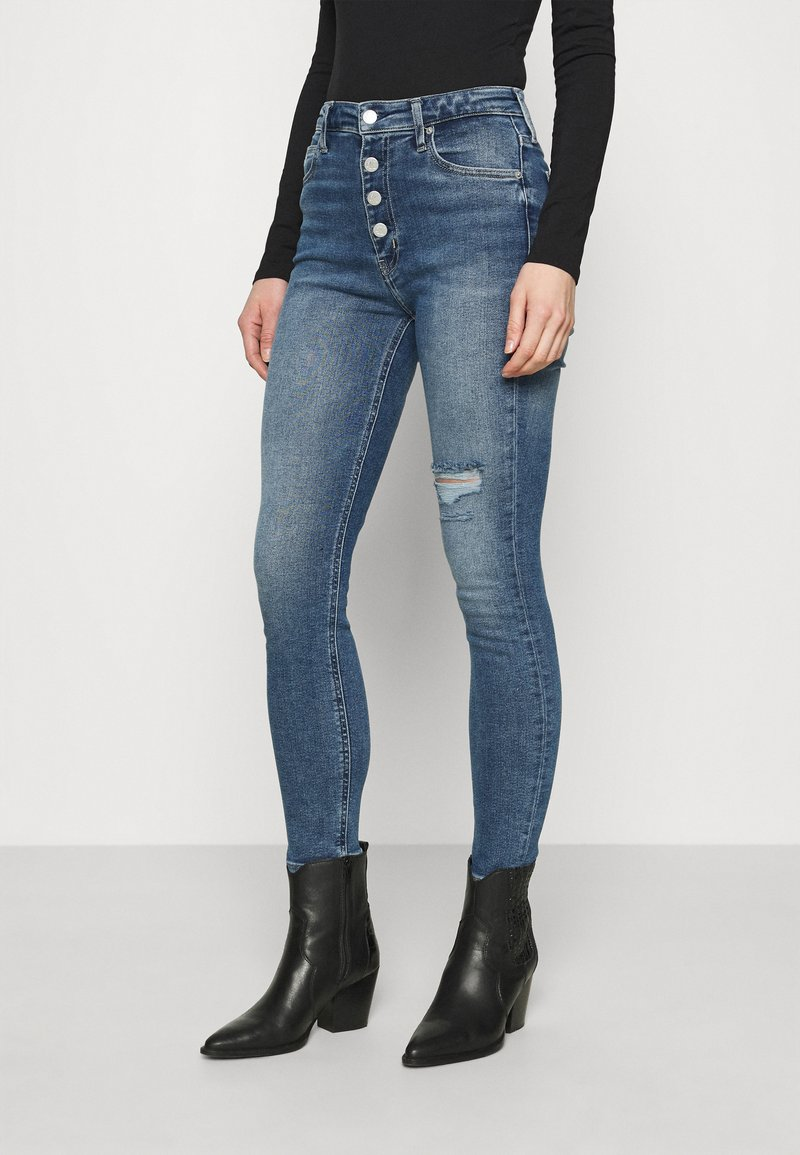 Calvin Klein Jeans - HIGH RISE SKINNY - Skinny džíny - denim medium