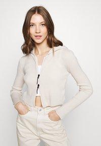 BDG Urban Outfitters - CROPPED ZIP HOODIE - Zip-up sweatshirt - ecru - 3