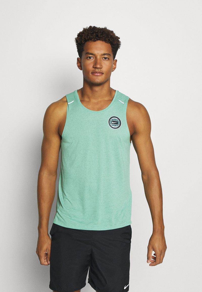 Nike Performance - MILER TANK - Camiseta de deporte - healing jade /geode teal/reflective silv