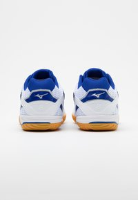Mizuno - WAVE DRIVE 8 - Sportovní boty - white/reflex blue - 2