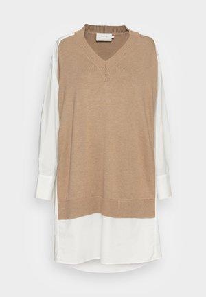 RADISH - Robe pull - camel