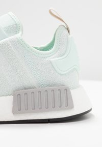 adidas Originals - NMD_R1 - Sneakersy niskie - ice mint/footwear white - 2
