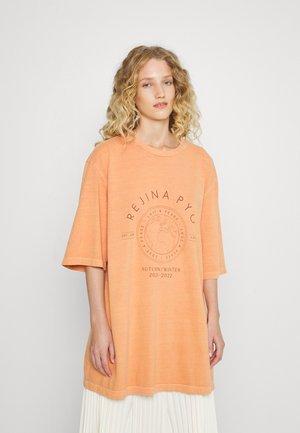 MURPHY  - T-shirt print - orange