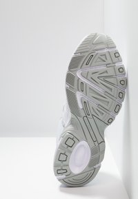 Puma - AXIS - Zapatillas - white/high rise - 4
