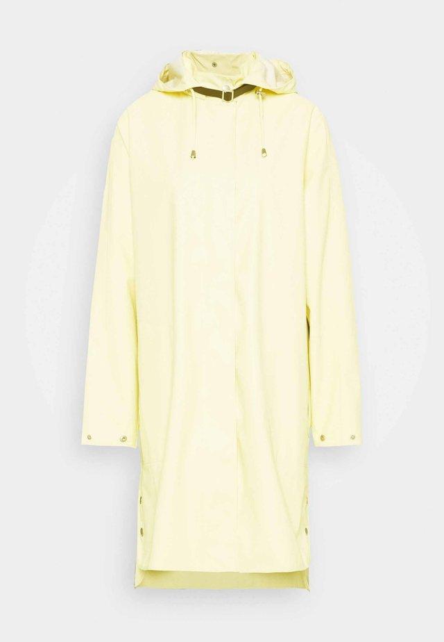 RAINCOAT - Veste imperméable - flan yellow