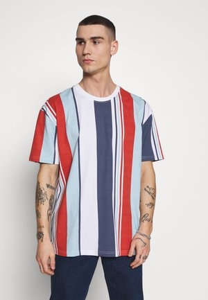 HEAVY OVERSIZED BIG STRIPE TEE - T-Shirt print - burnedred