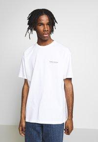 Topman - SIERRA NEVADA PRINT TEE - T-shirt imprimé - white - 0