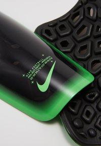 Nike Performance - MERCURIAL LITE UNISEX - Shin pads - black/green strike - 4