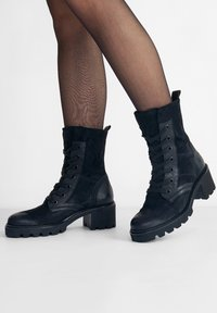 Paul Green - Lace-up ankle boots - schwarz 017 - 0