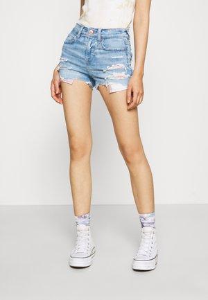 SHORTIE - Denim shorts - iced light indigo