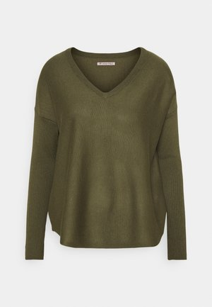 RELAXED V-NECK - Jumper - olive